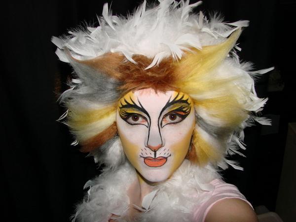 5eba72395 Maquillaje del musical Cats para Carnaval 2018