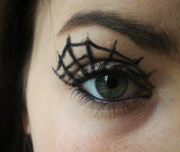 maquillate-una-telarana-o-dos-por-halloween-2014-telaraña-sencilla-y-pequeña-para-cada-ojo