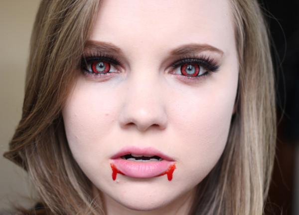 maquillaje-de-vampiresa-halloween-2015-lentillas