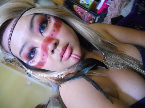 maquillaje-de-india-para-carnavales-rostro-rojo