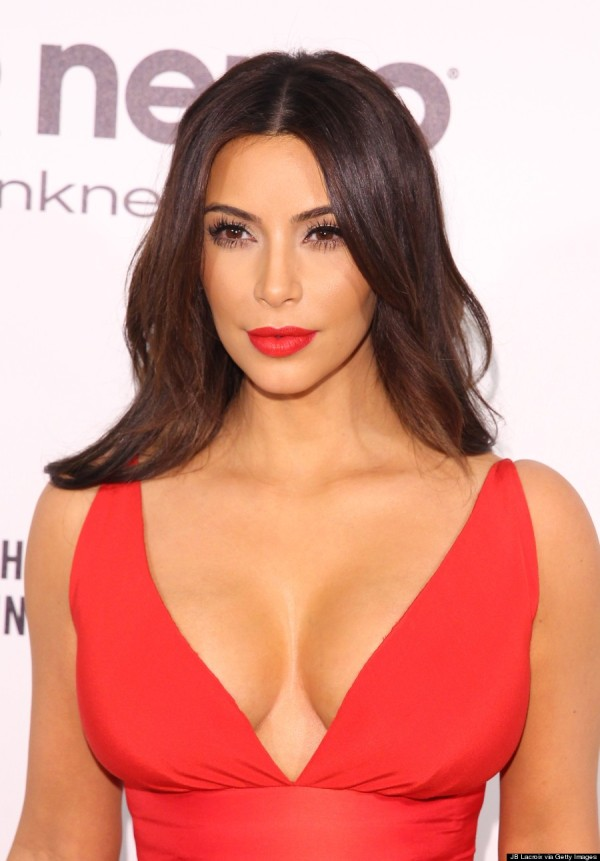 como-me-maquillo-si-llevo-un-vestido-rojo-kim-kardashian
