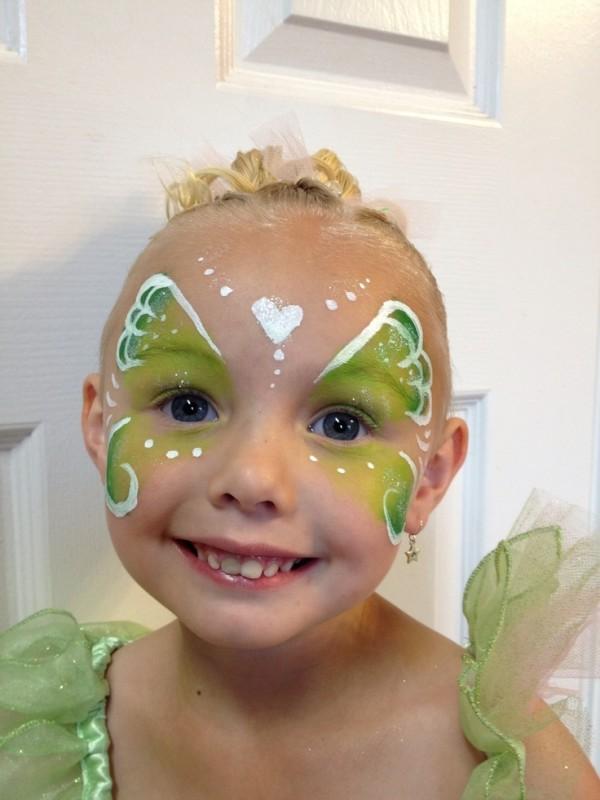 maquillaje-de-campanilla-tinkerbell-carnaval-2016-ideas-para-niñas-mariposa-en-una-cara