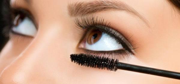 maquillaje-de-ojos-para-san-valentin-rimel