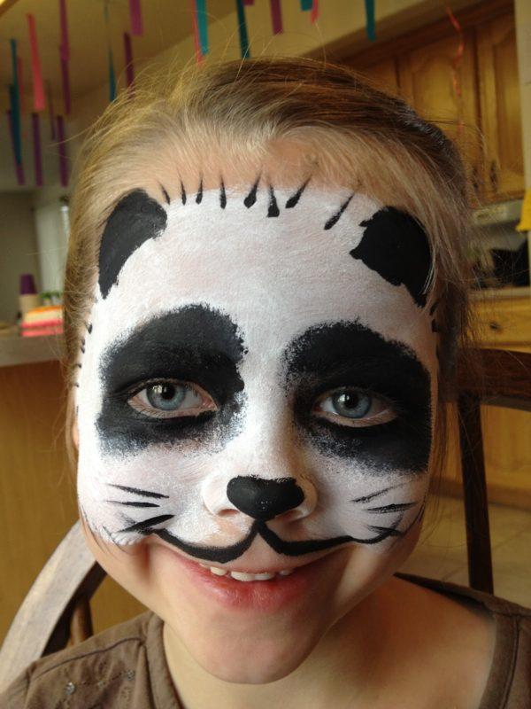 maquillaje-de-oso-panda-ninos-halloween-2016-nina
