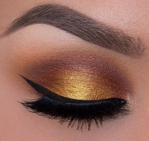 maquillaje-para-un-vestido-amarillo-bronce