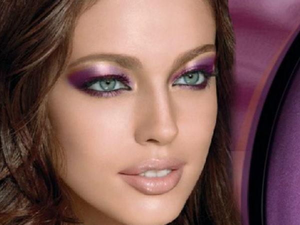 maquillaje-para-un-vestido-morado-sombra