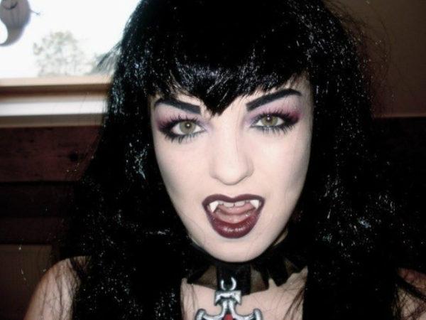 maquillaje-vampiresa-halloween-estilo-gotico