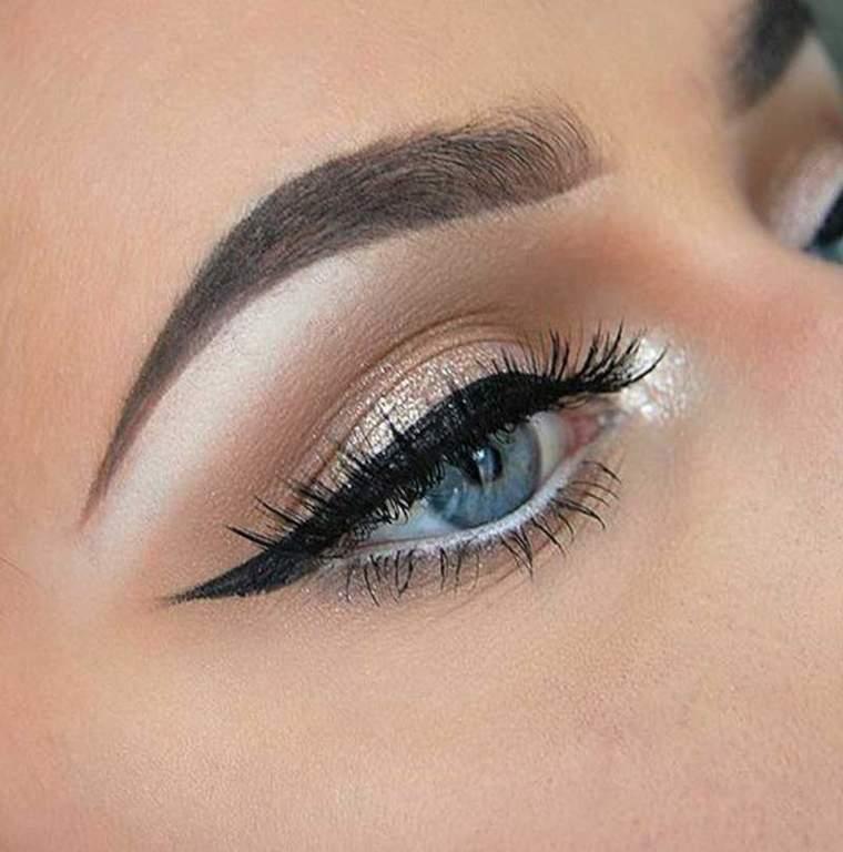 e1a5040eb Cómo maquillar los ojos pequeños - ProFreshStyle