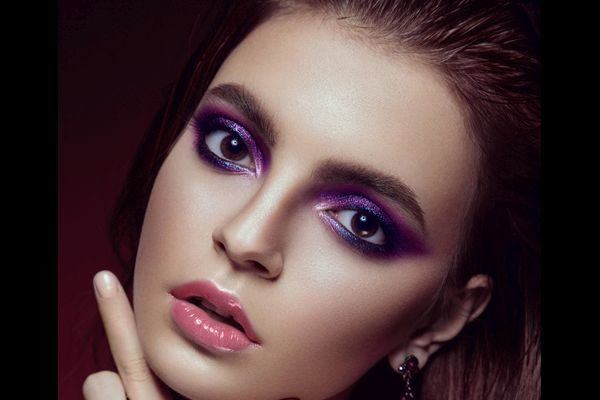 maquillaje-para-vestido-morado-paso-a-paso-destacar-ojos