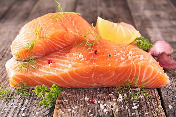 10 superalimentos para una piel perfecta verano  salmon