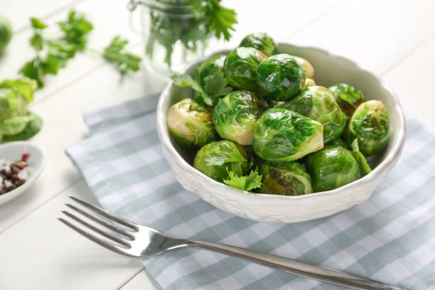 Alimentos ricos en acido folico ideales para la dieta de la embarazada coles de bruselas