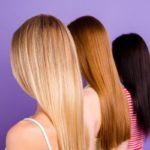 efectos-del-sulfato-en-el-pelo-mujer-tres-colores-istock